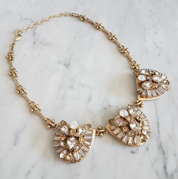 🌼 High shine statement necklace